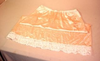 Vintage Kayser Medium Lace Edge Half Slip Peach