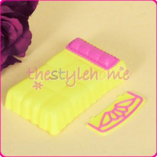 Cute Barbie Sister Kelly Doll Bed Yellow Miniature Pink Pillow Flower