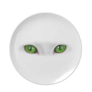 Green Eyes Party Plates