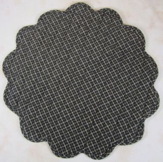Country Black Tan Plaid Kettle Grove Quilted Scalloped Table Mat 15 In