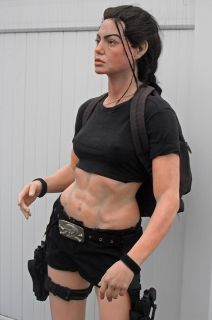 Tomb Raider Laura Croft Life Size Figure