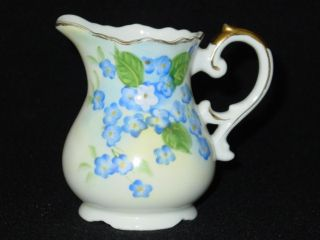 Lefton Exclusives Japan Hand Painted Creamer SL4175