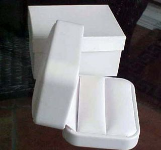 New White Leather High End Double Ring Set Gift Box