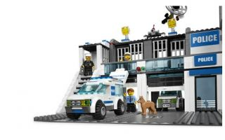 Lego City Police 7498 Figures Sets Toys Police Station Brand New