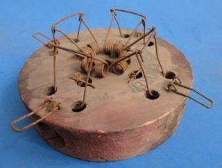 DAY AUCTION. Vintage 4 hole mouse trap, EASY SETTING CHOKER, LOVELL