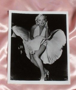 Marilyn Monroe 7 Year Itch Dress Blown from Air Grate 8 x 10 Black