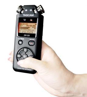 Tascam Dr 05 Handheld PCM Portable Digital Recorder DR05