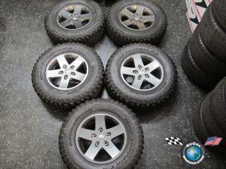Jeep Wrangler Rubicon Factory 17 Wheels Tires OEM Rims 9074 BFG Mud