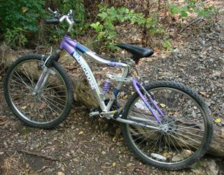 Mongoose Estes 26 Mountain Bike Bicycle Dual Suspension 15 Speed Off