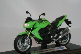 Kawasaki Z1000 1 18 Scale Diecast Model Welly Authentic Detail New