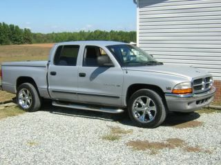 97 04 Dodge Dakota Quad Cab Nerf Side Bar Running Board