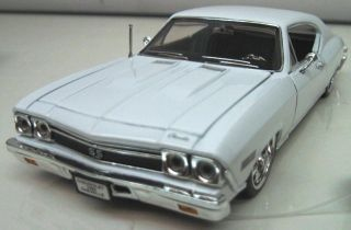 Superior 1968 Chevy Chevelle SS 396 White 5 Spoke 1 24