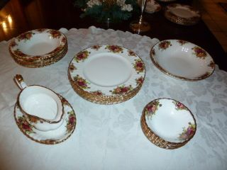 Wunderschönes Essservice Old Country Roses Royal Albert Bone China