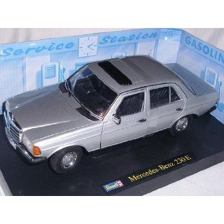 MERCEDES BENZ 230E 230 E KLASSE W123 W 123 1/18 REVELL MODELLAUTO