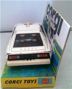 CORGI TOYS Diecast 269 JAMES BOND 007 LOTUS ESPRIT Model & Display