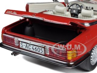 1977 MERCEDES 350 SL CONVERTIBLE RED 1/18 DIECAST MODEL CAR BY SUNSTAR