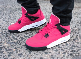 NIKE GIRLS AIR JORDAN 4 RETRO PS KIDS VOLTAGE CHERRY SZ 2.5 Y COMFORT