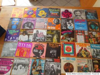 35 x Single Vinyl Black Sabbath Bee Gees The Kinks The Monkees Roberta