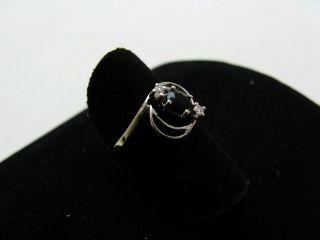 R790 585er 14kt Weißgold Ring modern verspielt mit Diamanten und