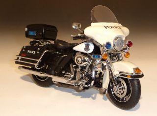 2011 Harley Davidson FLHTP Electra Glide, HW 61, 112, black/white