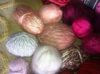 Wollpaket Wolle Reste Markenwolle Konvolut Farbe Rot /Rosatöne