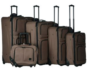 Advantages of a 5 piece Expandable Luggage Set