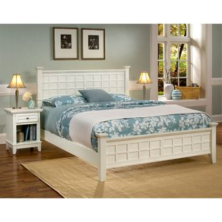 Home Syles Ars & Crafs Whie Queen Bed & Nigh Sand
