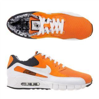 Max 90 Current. Coloris  orange, blanc et gris. Basket des années 90