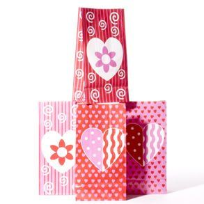 Valentine Paper Goody Bags Toys & Games