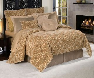 Villa Amore Luxury 9 piece Comforter Set