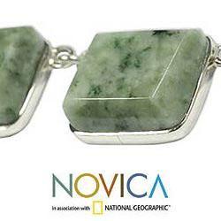 Handcrafted Sterling Silver Maya Wisdom Jade Necklace (Guatemala