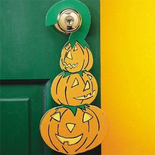 Halloween Pumpkin Doorknob Hangers Craft Kit Toys & Games