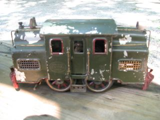 Pre War Lionel Standard Guage 33 Train Set Engine and 3 Cars